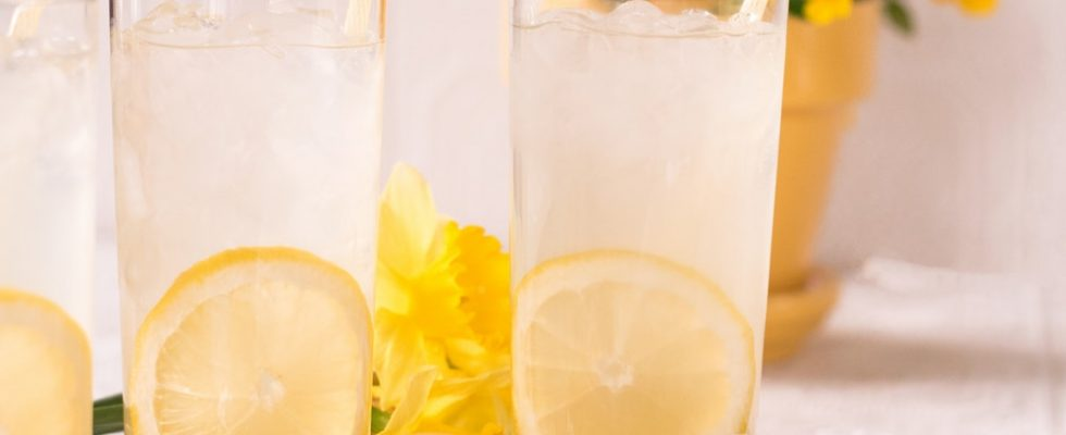 Lemonade in glasses with straws